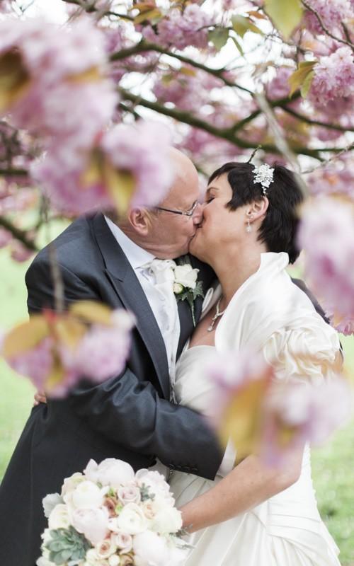 Singleton Lodge Wedding with Suzie and Brian